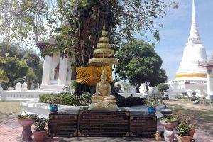 Wat-Suwandararam-Ratchaworawihan-Ayutthaya-Thailand-04.jpg