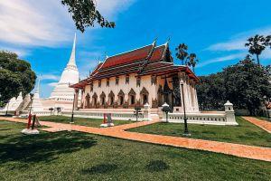Wat-Suwandararam-Ratchaworawihan-Ayutthaya-Thailand-06.jpg