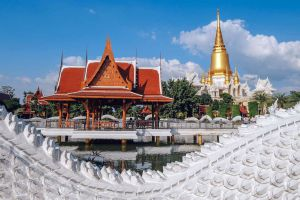 Wat-Tako-Ayutthaya-Thailand-02.jpg