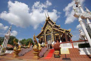 Wat-Tha-Mai-Samut-Sakhon-Thailand-02.jpg