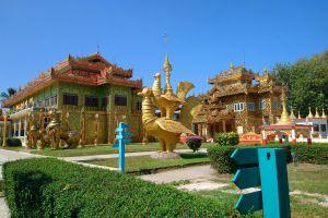 Wat-Thai-Wattanaram-Tak-Thailand-03.jpg