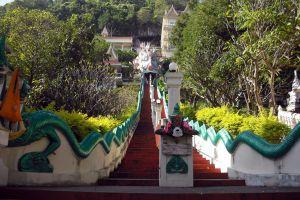 Wat-Tham-Mangkornthong-Kanchanaburi-Thailand-01.jpg