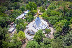 Wat-Tham-Phra-Phothisat-Saraburi-Thailand-01.jpg