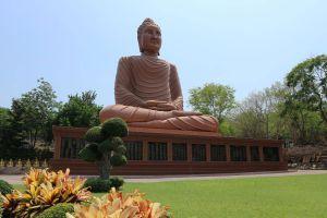 Wat-Tham-Pu-Wa-Kanchanaburi-Thailand-01.jpg