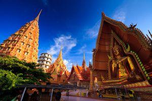 Wat-Tham-Sua-Kanchanaburi-Thailand-02.jpg