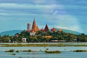 Wat-Tham-Sua-Kanchanaburi-Thailand-03.jpg