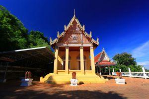 Wat-Thammamun-Worawihan-Chainat-Thailand-01.jpg