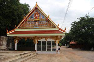 Wat-Thammamun-Worawihan-Chainat-Thailand-02.jpg