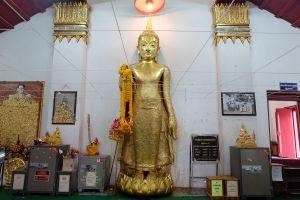 Wat-Thammamun-Worawihan-Chainat-Thailand-03.jpg