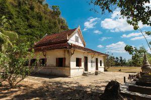 Wat-Thep-Charoen-Tham-Rup-Ro-Cave-Chumphon-Thailand-07.jpg