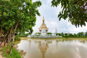 Wat-Thung-Setthi-Khon-Kaen-Thailand-03.jpg