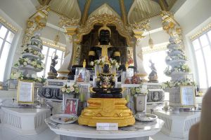 Wat-Thung-Setthi-Khon-Kaen-Thailand-04.jpg