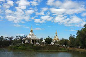 Wat-Thung-Setthi-Khon-Kaen-Thailand-07.jpg