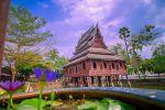 Wat-Thung-Si-Muang-Ubon-Ratchathani-Thailand-001.jpg