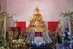 Wat-Tum-Ayutthaya-Thailand-05.jpg