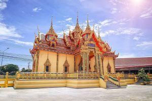 Wat-Tum-Ayutthaya-Thailand-06.jpg
