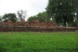 Wat-Ubosot-Ayutthaya-Thailand-03.jpg