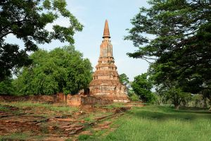 Wat-Ubosot-Ayutthaya-Thailand-05.jpg