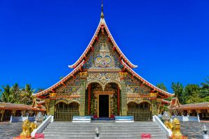 Wat-Wang-Kham-Kalasin-Thailand-02.jpg