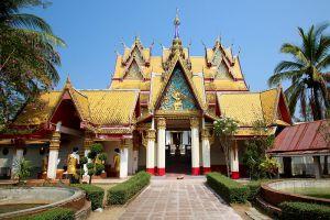 Wat-Wang-Wiwekaram-Kanchanaburi-Thailand-005.jpg