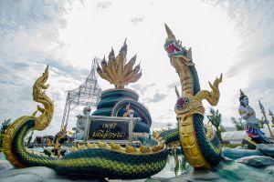 Wat-Wirachot-Thammaram-Chachoengsao-Thailand-02.jpg