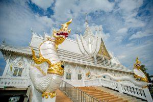 Wat-Wirachot-Thammaram-Chachoengsao-Thailand-03.jpg