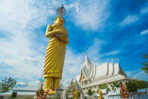 Wat-Wirachot-Thammaram-Chachoengsao-Thailand-06.jpg