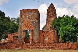Wat-Worachet-Ayutthaya-Thailand-04.jpg