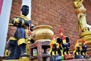 Wat-Worachet-Ayutthaya-Thailand-06.jpg