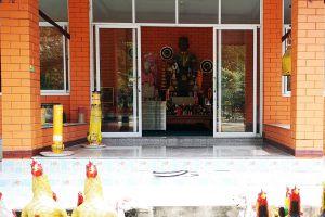 Wat-Worachet-Ayutthaya-Thailand-08.jpg