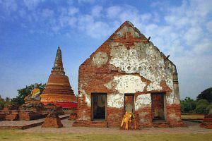 Wat-Worachettharam-Ayutthaya-Thailand-01.jpg