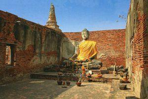 Wat-Worachettharam-Ayutthaya-Thailand-02.jpg