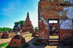 Wat-Worachettharam-Ayutthaya-Thailand-04.jpg