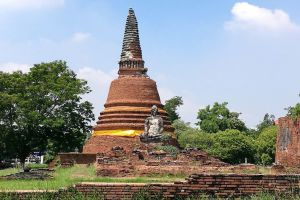 Wat-Worachettharam-Ayutthaya-Thailand-05.jpg