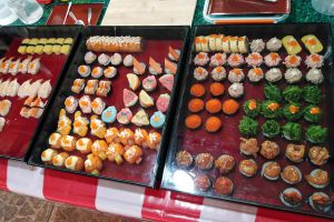 Wat-Yai-Sawang-Arom-Floating-Market-Nonthaburi-Thailand-05.jpg