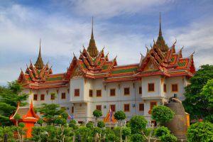 Wat-Yannawa-Bangkok-Thailand-04.jpg