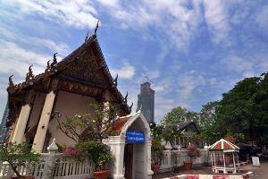 Wat-Yannawa-Bangkok-Thailand-05.jpg