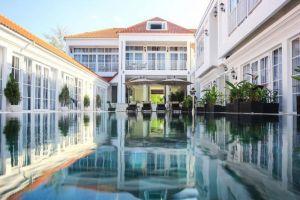 White-Boutique-Hotel-Sihanoukville-Cambodia-Exterior.jpg