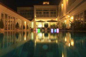 White-Boutique-Hotel-Sihanoukville-Cambodia-Pool.jpg