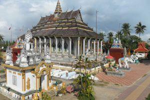 White-Elephant-Pagoda-Battambang-Cambodia-002.jpg