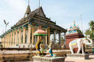 White-Elephant-Pagoda-Battambang-Cambodia-004.jpg
