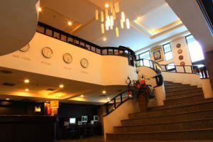 White-Palace-Hotel-Bangkok-Thailand-Lobby.jpg