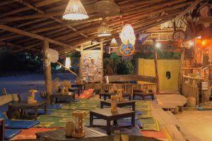 Why-Not-Bar-Lanta-Krabi-Thailand-003.jpg