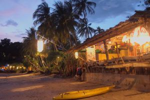 Why-Not-Bar-Lanta-Krabi-Thailand-004.jpg