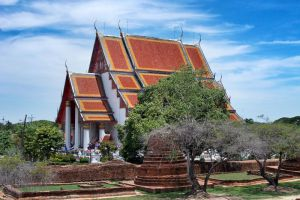 Wihan-Phra-Mongkhon-Bophit-Ayutthaya-Thailand-003.jpg