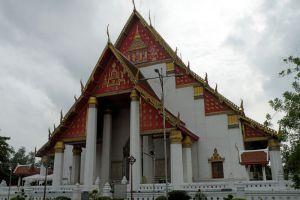 Wihan-Phra-Mongkhon-Bophit-Ayutthaya-Thailand-004.jpg