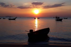 Wonnapha-Beach-Chonburi-Thailand-02.jpg
