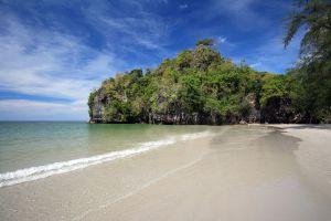 Yong-Ling-Beach-Hat-Son-Trang-Thailand-02.jpg
