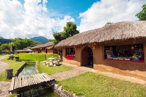 Yunnan-Chinese-Cultural-Center-Suntichon-Village-Mae-Hong-Son-Thailand-01.jpg