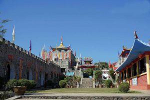 Yunnan-Chinese-Cultural-Center-Suntichon-Village-Mae-Hong-Son-Thailand-03.jpg